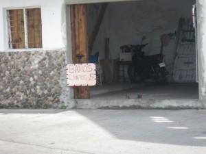 Clean bathrooms for 5 pesos.