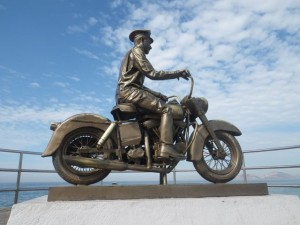 The first bronze statue on this end of the Malecón.