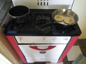 Love the cute stove! All the burners work. I haven't tried the oven yet.